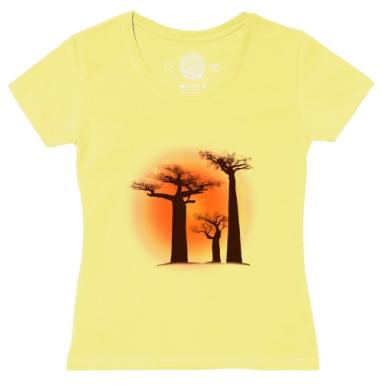 Футболка женская желтая - Мадагаскарские баобабы