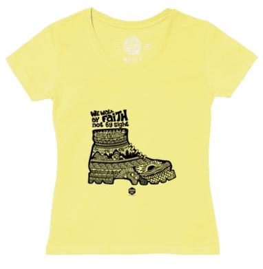 Футболка женская желтая - Мы ходим верой